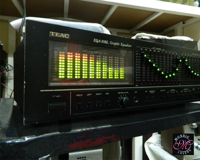 TEAC EQA-30BL 10+10 Band Stereo Graphic Equalizer Spectrum